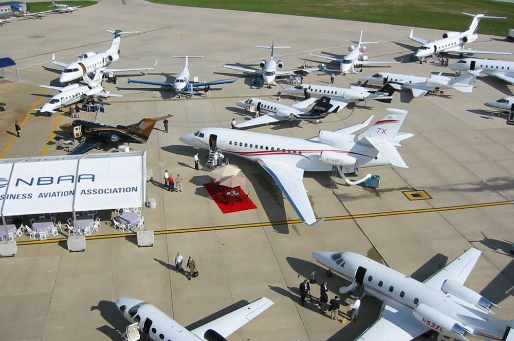 NBAA Airport Planes